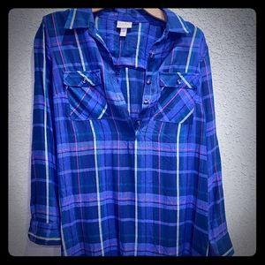 Flowy flannel blouse for maternity wear